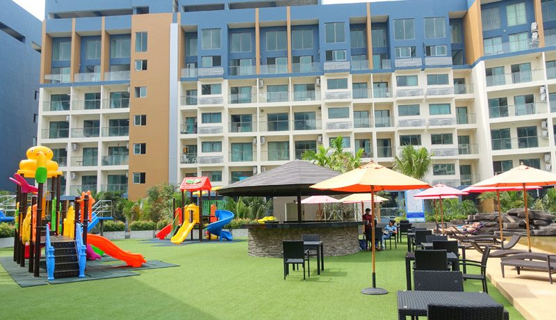 This chic and modern condo has just been finished. Located within a huge resort-style park on 13.000 square meters