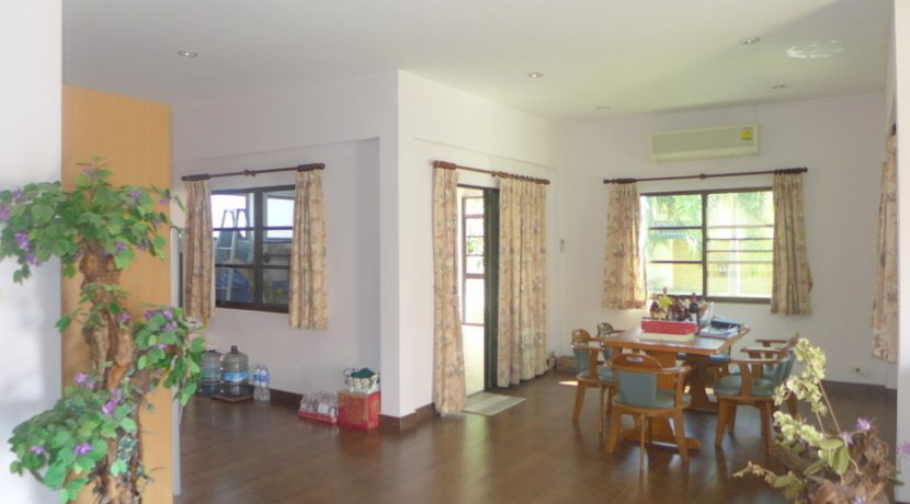living-_and_dining-space_1