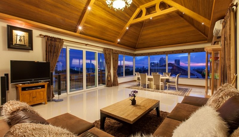 living_lounge_area_on_the_top_floor_1