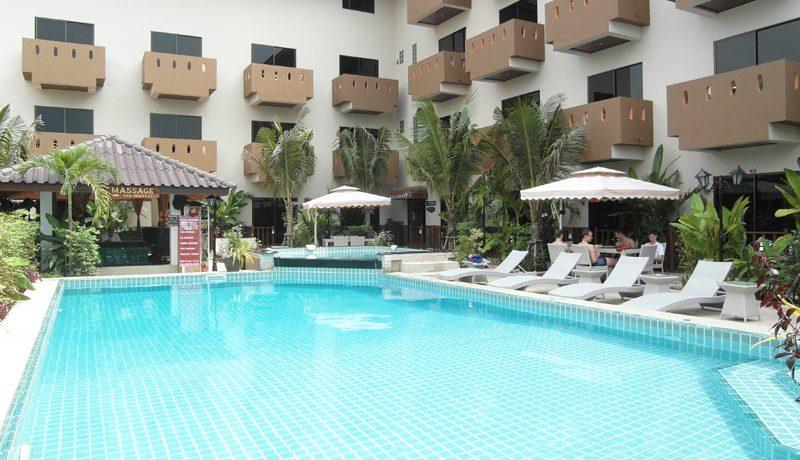 massage_salas_at_this_pool_restort_guesthouse_pattaya_jomtien_1