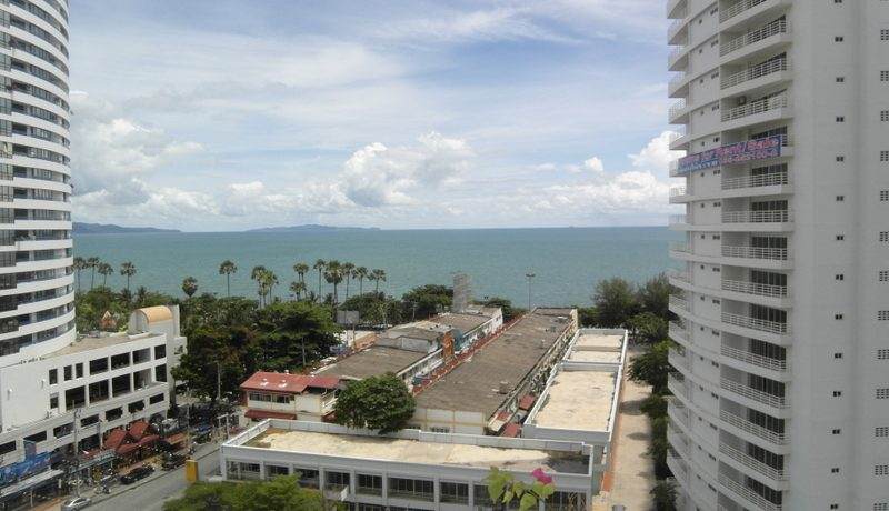 nice_sea_views_from_the_balcony_1