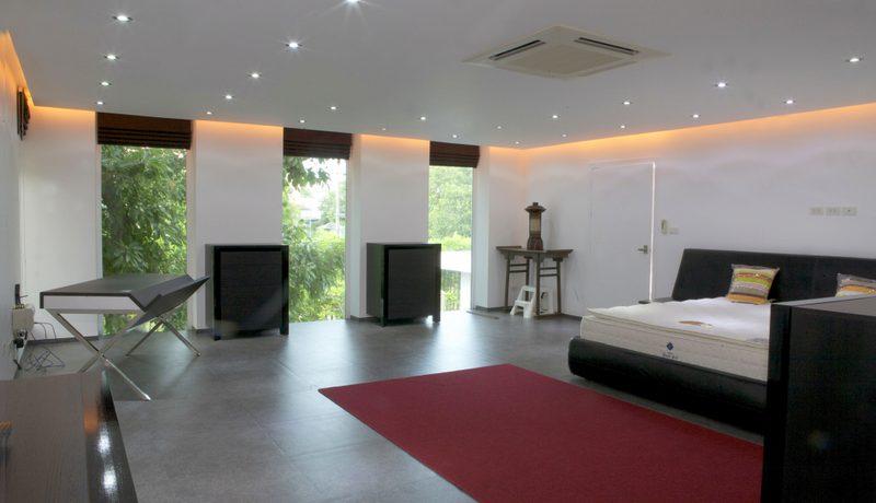 Pratumnak Pattaya: New 6-bedroom pool villa