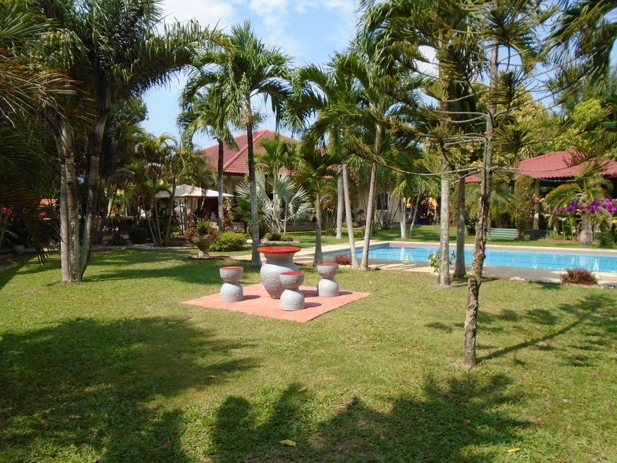 Resort style estate on 4.000 m2 at top Na Jomtien location