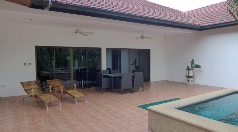 modern 4 bedroom pool-villa near highway