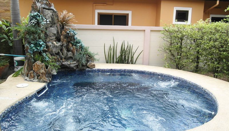 pool_oasis_at_this_pool_house_grand_lotus_village_pattaya_2