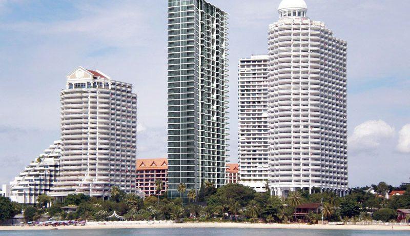 High class beachfront 1-bedroom condo: Wong Amat Tower