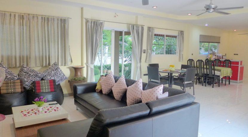sofa-_towards_dining-area_1