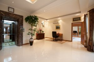 Pratumnak Hill: Brand new high-end 5 bedroom pool estate