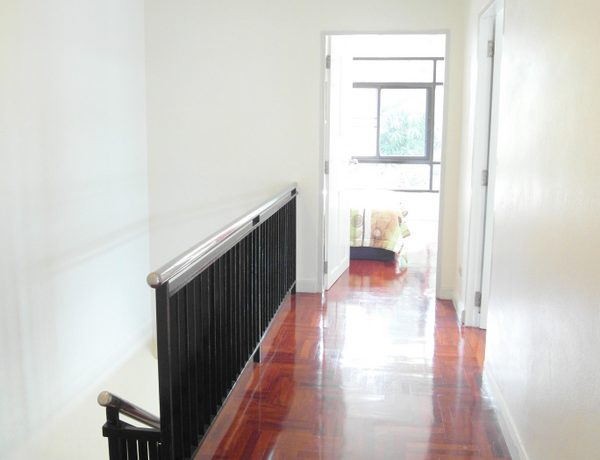 a modern kitchen and is fully furnished and air conditioned throughout. It is located right on :...