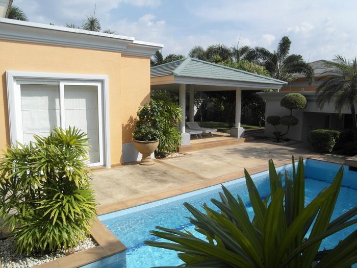 Spacious 3 bedroom pool villa Siam Royal View, for Sale