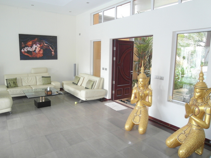 Siam Royal View – classy 4 bedroom pool villa for Sale