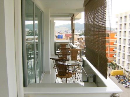 Condo Central Pattaya: large 1 bedroom unit