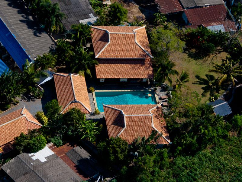 5 bedroom pool-estate in Bangsarae, near beach