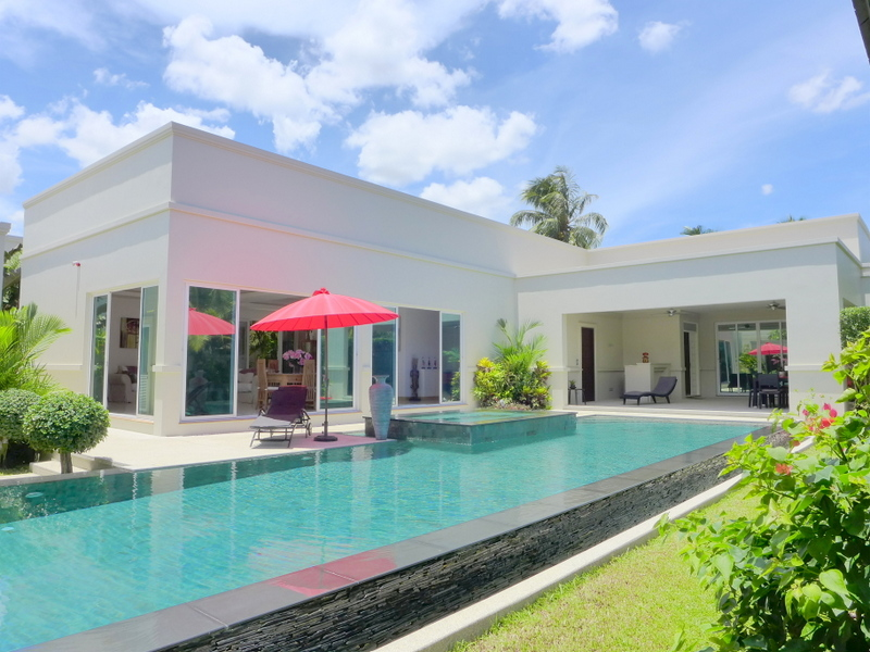 The Vineyard II: 3 bedroom designer pool villa, awarded for quality