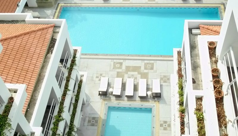 the_pool_area_at_this__2_bedroom_condo_above_pattaya_jomtien_1