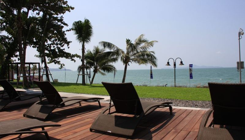 Northpoint is likely the most exquisite beachfront condo in the greater Pattaya area. Go to detail view to see why this is so. This one bedroom-flat is generously large