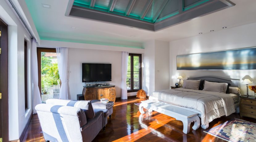 Welcome to a mesmerizing tropical estate of utmost beauty. A property that has been completely re-designed for nearly 10 Million Baht to transform it into a splendid mixture of tropical charm and practical design and technology. The result has been :...