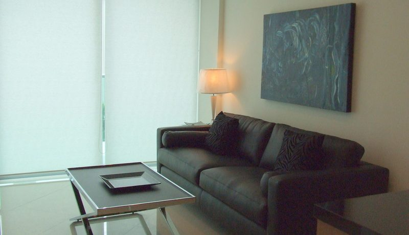 This top-floor 2-bedroom condominium is located in a chic development on the exclusive Wong-Amart Beach. The unit offers two bedrooms