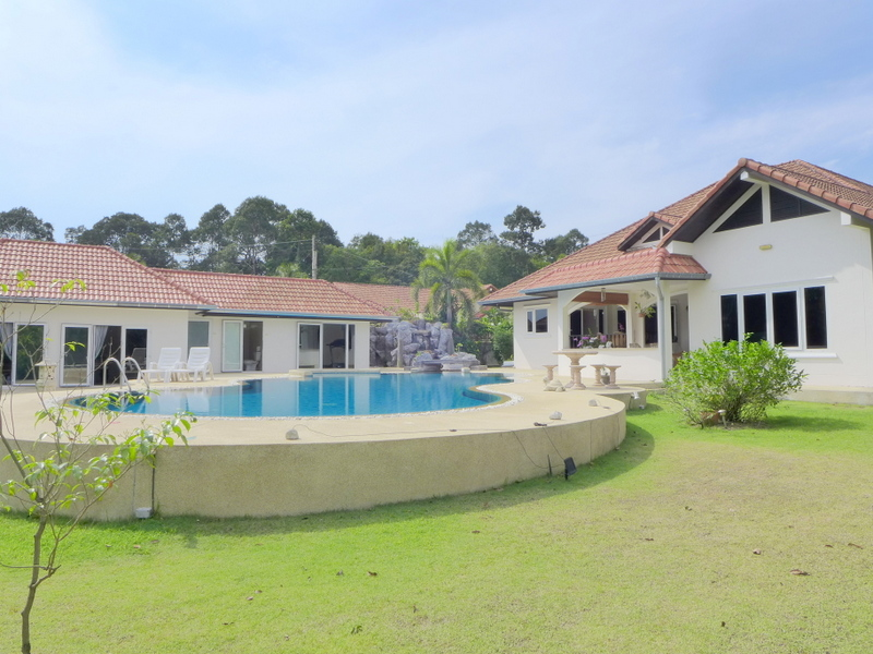 4 plus bedroom pool estate on a large plot in northern Pattaya
