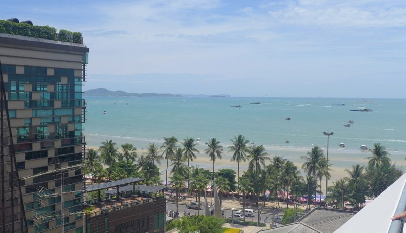 Beachside top-location hotel building Central/South-Pattaya to renovate
