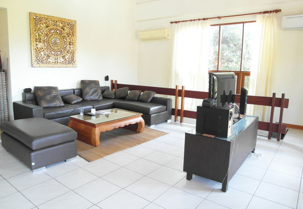 Impressive Pratumnak Hill 6-bedroom tropical pool mansion between Pattaya and Jomtien