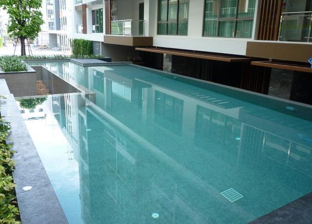 Condo in the centre of South Pattaya for sale with one year tenant contract