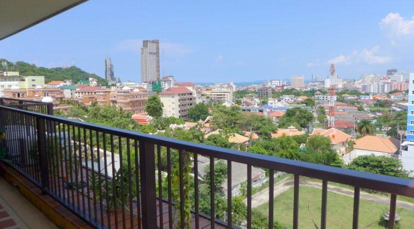 Diamond Suites Pattaya: Duplex penthouse with 2 bedrooms