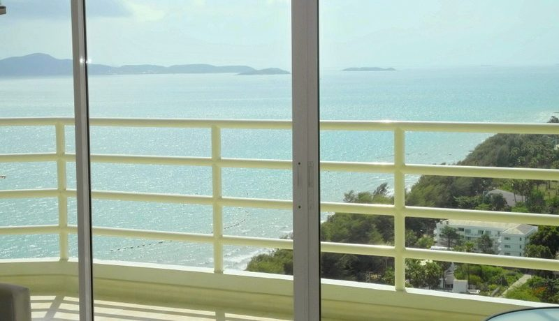 views_from_inside_this_modern_25th_floor_seaview_studio_at_top_location_1