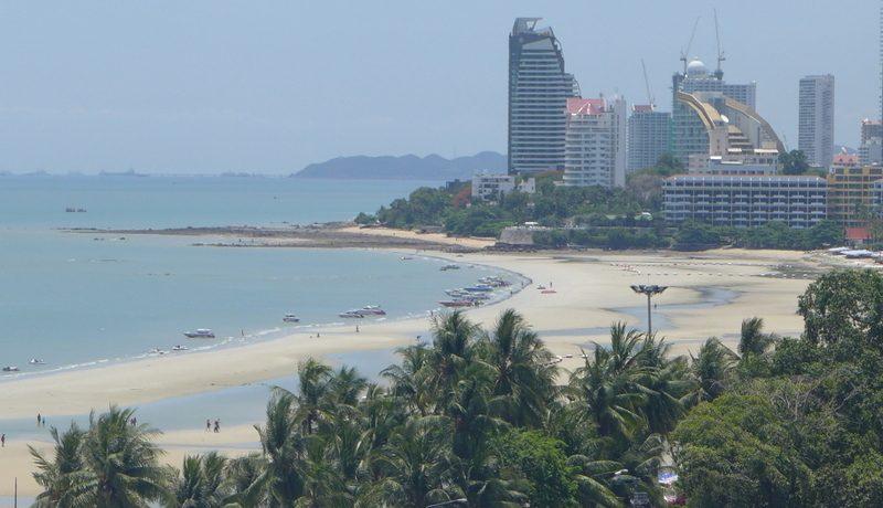 views_from_within_the_hotel_towards_naklua_1