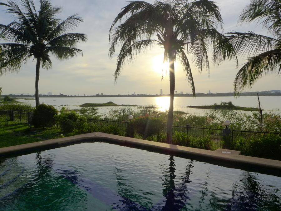 Beach front 3 bedroom villa right on a lake near Pattaya
