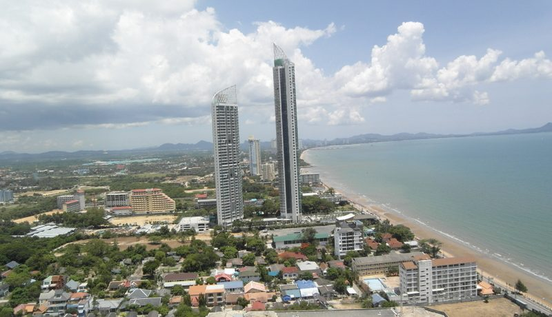 Metro Jomtien Condotel; This generous 2 bedroom condo unit
