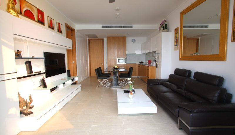 Northpoint Naklua: beachfront high-floor 1 bedroom condo