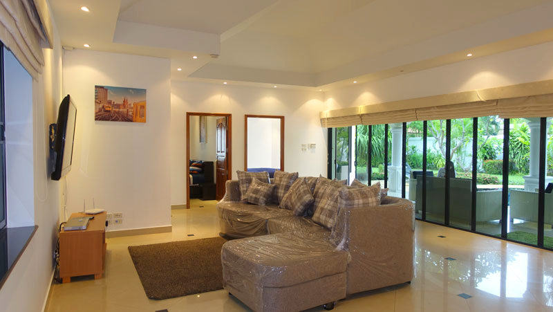 get this luxury 3 plus* bedroom villa with large