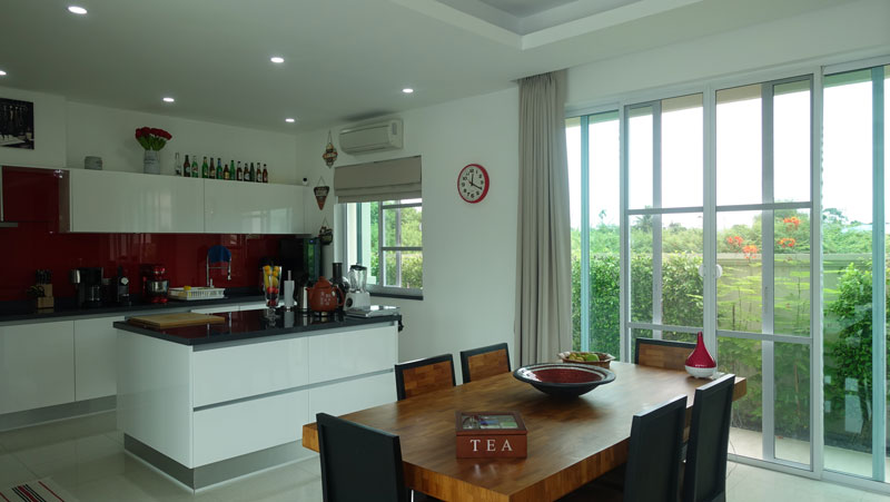 The_dining-area_06