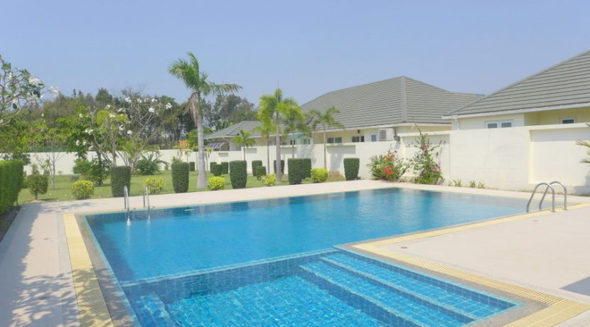 communal_pool__gym_and_clubhouse_of_the_estate_1