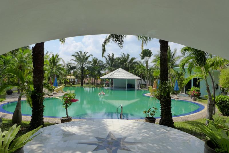 Magnificent Paradise Villa 8 bedroom estate on nearly 4 Rai, near Pattaya-City
