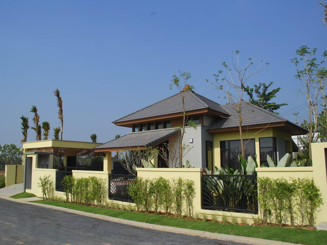 East Pattaya Horseshoe Point the Village House for Sale
