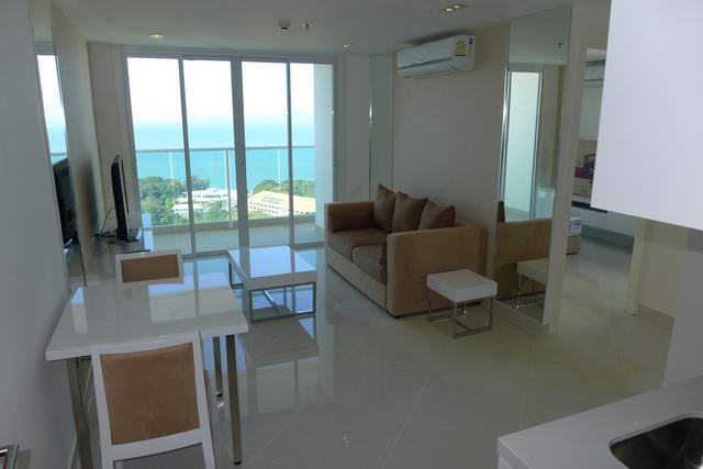 Cosy Beach New The View Condo, Private Re-Sale, Corner unit