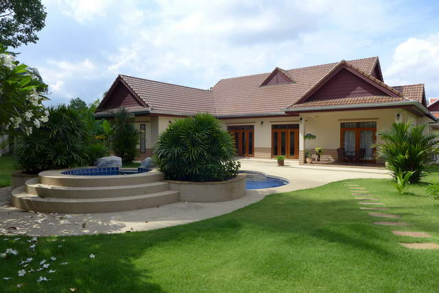 Nonpalai Foxlea Detached Pool Villa for Sale