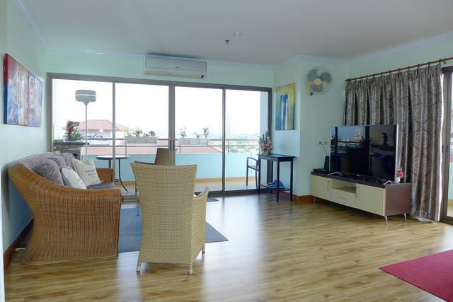 Central Pattaya PKCP Condo for Sale