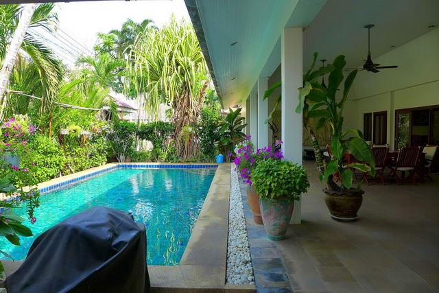 Jomtien Cest Palai, Beautiful Thai Bali Pool Villa for Sale
